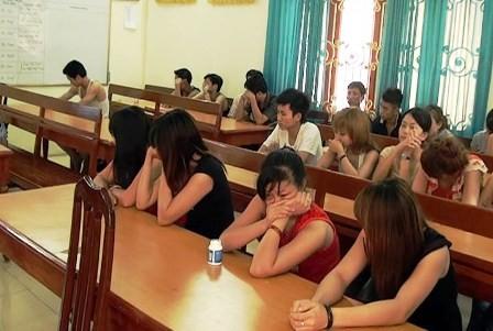 Bắt 30 đối tượng liên quan đến ổ mại dâm tại thị xã Tam Điệp