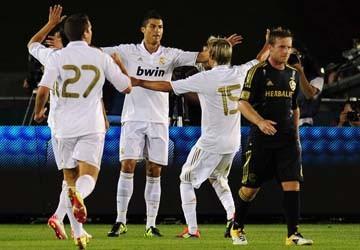"David Beckham hết lời ca ngợi ""hậu bối"" Cris Ronaldo"