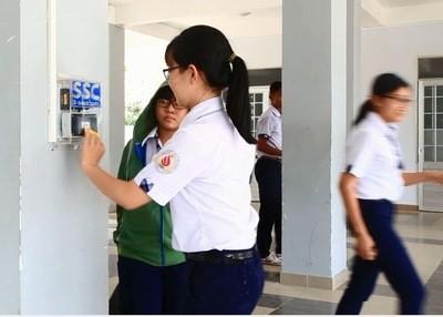 Điểm danh học sinh bằng thẻ thông minh