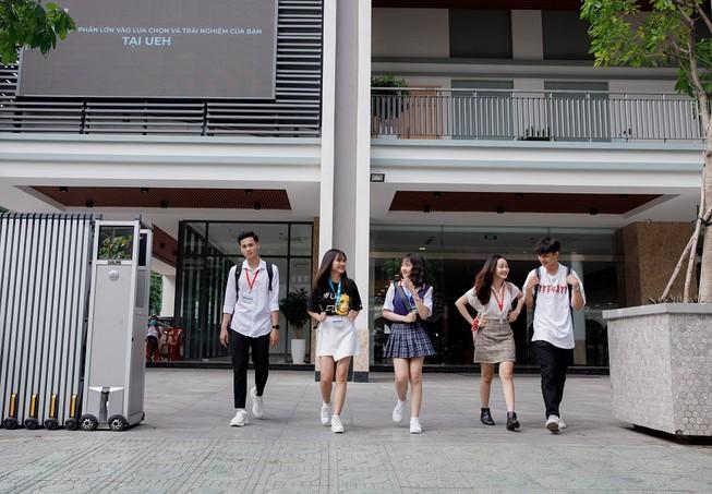 Sinh viên trường ĐH Kinh tế TP.HCM