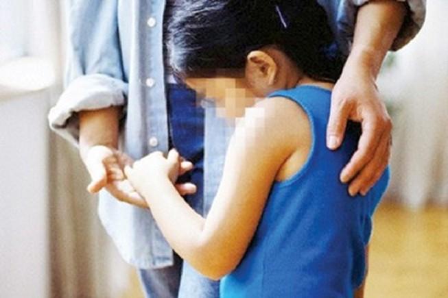 Nghi án thanh niên có vợ, 2 con hiếp dâm cháu bé 3 tuổi