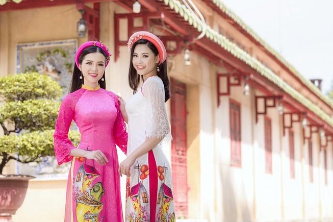 Thuý Vi và Đào Hà thướt tha trong tà áo dài Tết đón Xuân