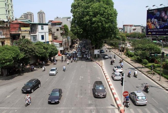 Nắng nóng, chỉ số tia tử ngoại tăng cao tại Hà Nội
