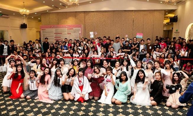 Khoảnh khắc khó quên của SGO48 tại sự kiện bắt tay ở Hà Nội