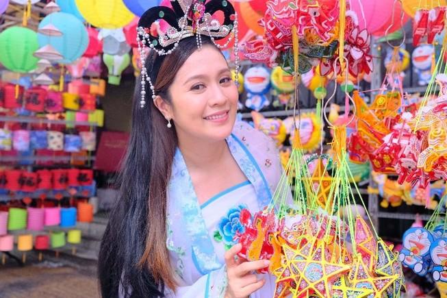 Diễn viên Thanh Thúy bất ngờ hóa chị Hằng trong MV Trung thu