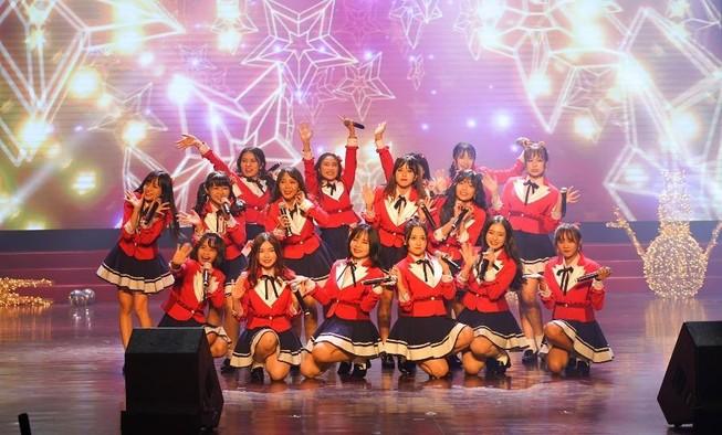Đêm tiệc Giáng sinh đáng nhớ của nhóm nhạc nhà giàu SGO48