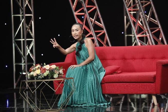 Ai đặt nickname 'Thỏi socola biết hát' cho ca sĩ Đoan Trang?
