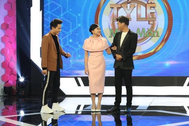 Xuân Nghị cà khịa lối dẫn chương trình của MC Võ Tấn Phát