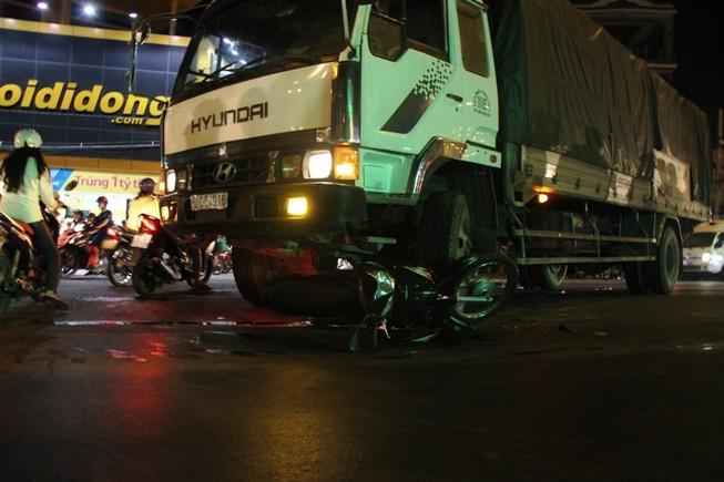 Tài xế xe tải bị đuổi đánh sau khi cán chết người