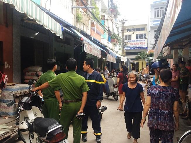 Cháy nhà gần chợ Võ Thành Trang, cụ bà 80 thoát nạn