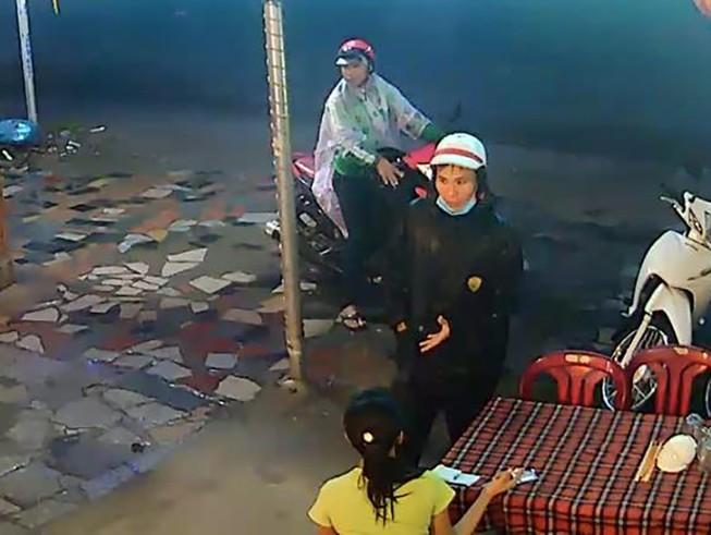 Camera ghi lại quá trình dàn cảnh tinh vi để trộm xe