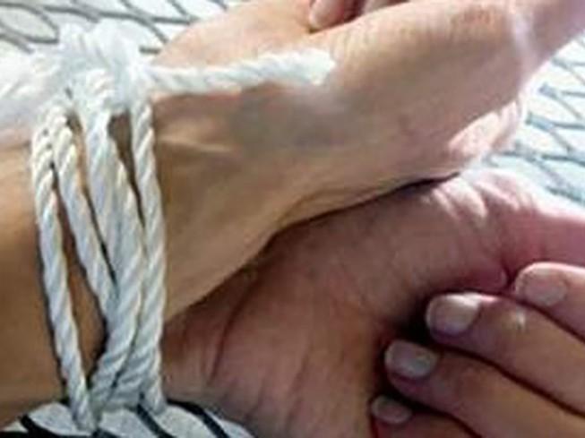 Điều tra vụ cô gái bị cướp trói tay bịt miệng lấy vàng