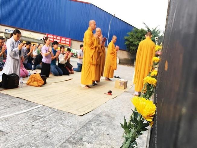 Khoảng lặng trong lễ cầu siêu cho 13 cư dân Carina