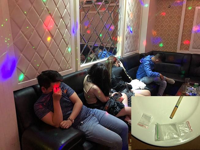 Cảnh sát đột kích 'tiệc ma túy' trong quán karaoke ở quận 5
