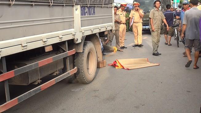 Hành động kỳ lạ trong tai nạn làm bé 2 tuổi tử vong ở Bình Tân