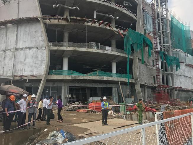 Nhiều người rơi từ tầng 4 công trình trên đường Phạm Văn Đồng