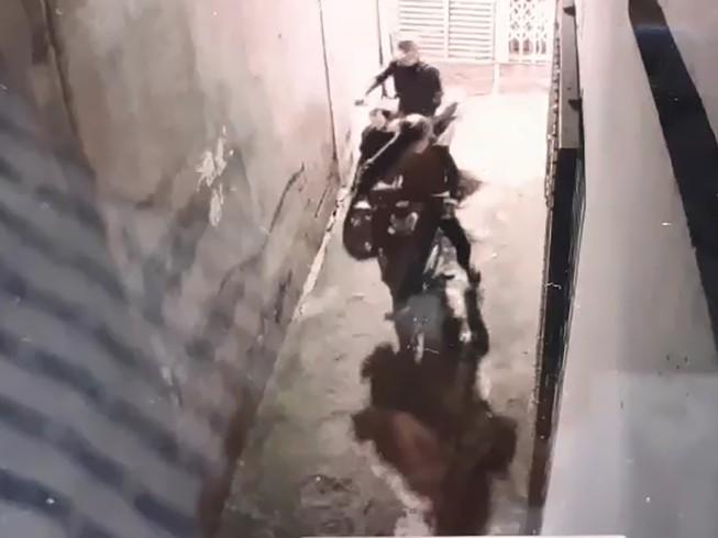 Nhóm trộm thủ dao bấm đột nhập nhà trọ lấy xe ở quận 6