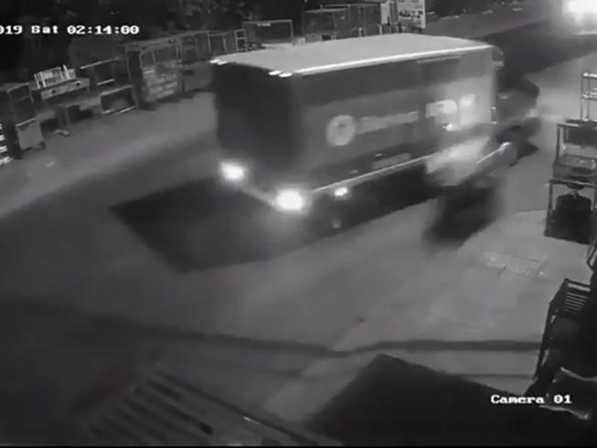 Thực hư thông tin cướp giật lao vào xe tải tử vong ở Tân Phú