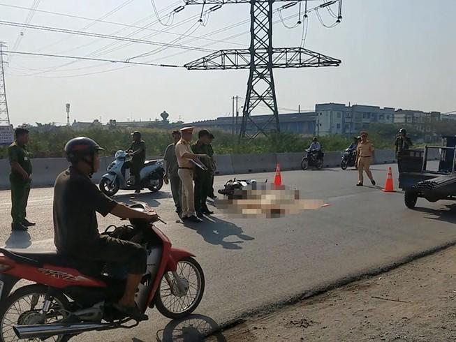 Đi tặng quà tết ở Bình Tân, 1 phụ nữ bị xe cán tử vong