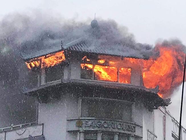 Khá.ch sạn Đồng Khánh ở quận 5 ch.áy nghi do sét đ.ánh