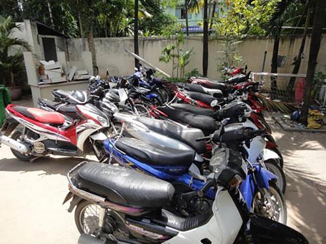 Triệt phá nhóm lừa đảo lấy xe máy đem bán