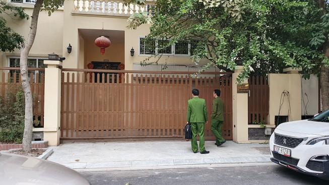Công an khám nhà chánh Văn phòng Thành ủy Hà Nội