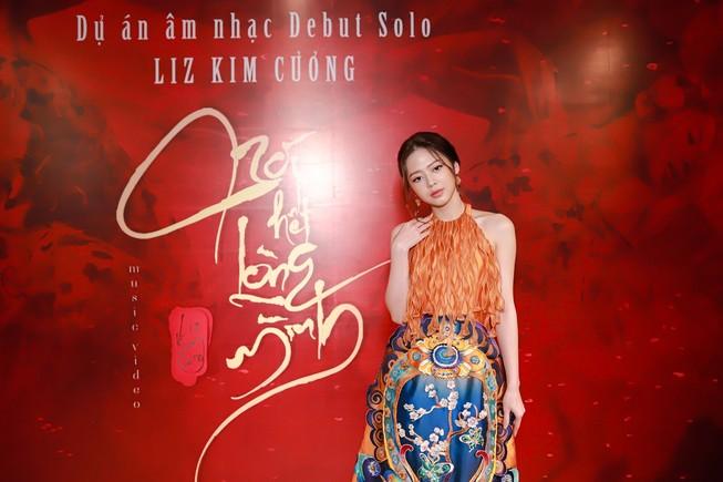 Sau khi rời nhóm LIME, Liz Kim Cương ra mắt sản phẩm solo mới