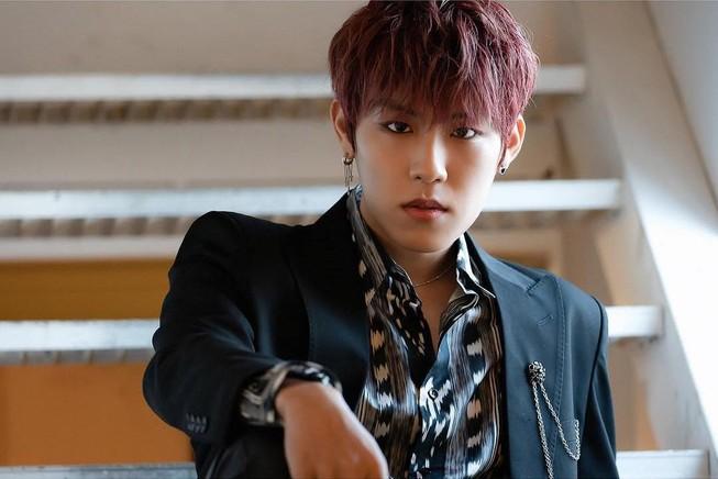 Park Woo Jin (AB6IX) cần thời gian phục hồi sau phẫu thuật