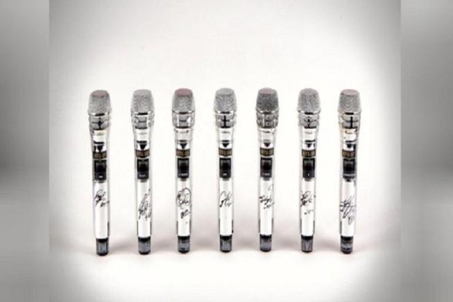 Bộ micro của ban nhạc BTS được bán với giá 'khủng'