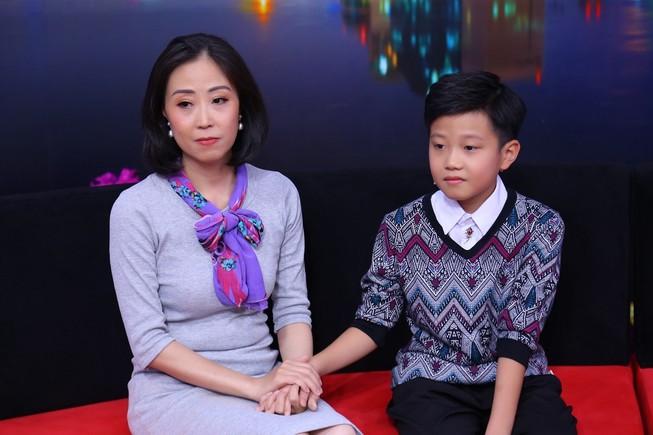 Khán giả xúc động với cậu bé 11 tuổi dành tình yêu cho ba mẹ