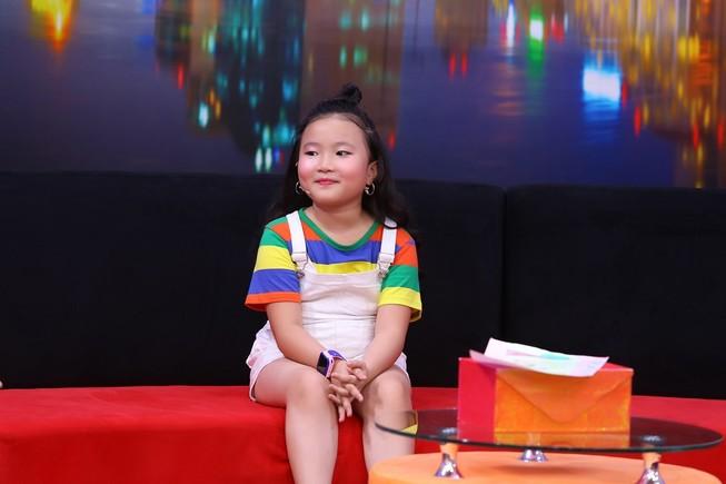 Cô bé 8 tuổi làm 'sứ giả hòa bình' cho ba mẹ qua những bức vẽ