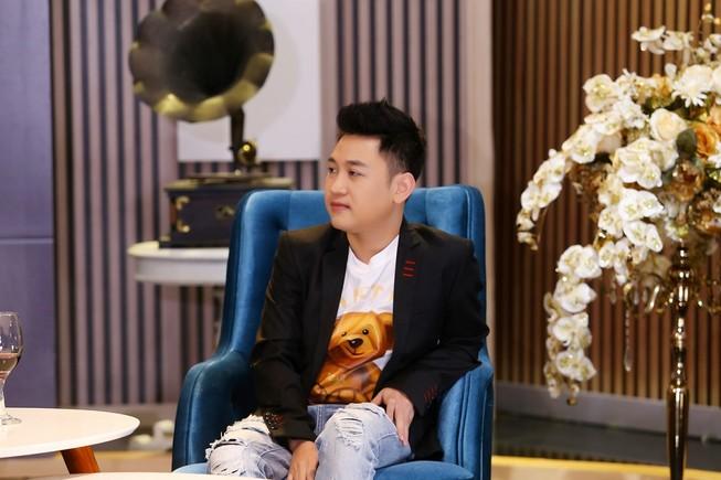Don Nguyễn không khuyến khích công khai giới tính giống mình