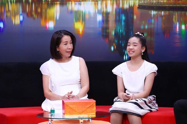 Ốc Thanh Vân khuyên cô bé 12 tuổi không nên mê nghệ thuật sớm