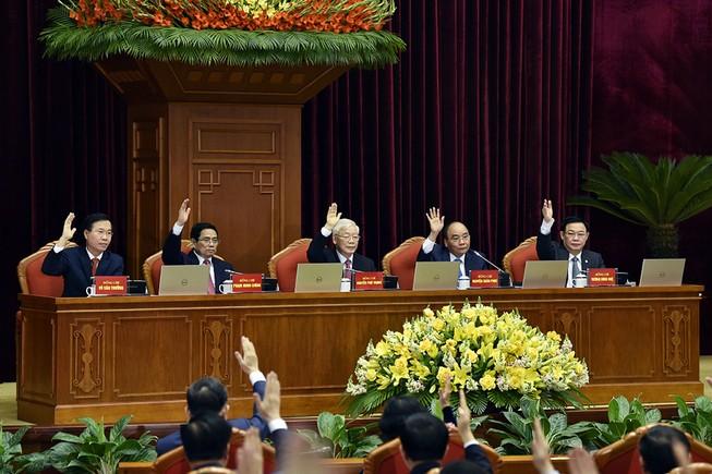 Trung ương biểu quyết thông qua chương trình Hội nghị Trung ương 2, khóa XIII. Ảnh: VGP