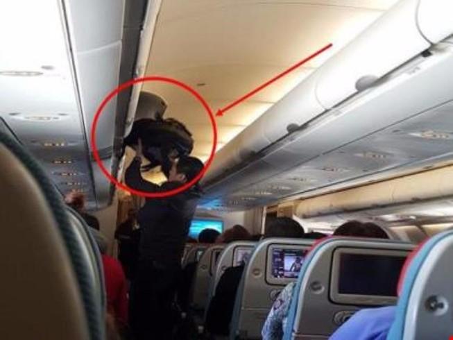 Nạn nhân mua vé máy bay cho kẻ trộm người TQ về nước