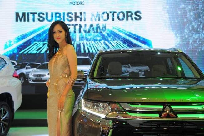 Điểm mặt mẫu ô tô giảm giá 'sốc' gần 200 triệu đồng/xe