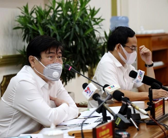 TP.HCM kêu gọi bác sĩ về hưu cùng chống dịch COVID-19