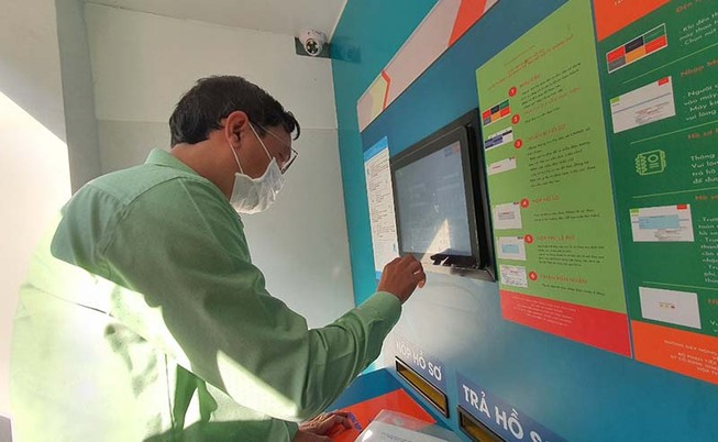TP.HCM có 'ATM' nhận trả hồ sơ hành chính tự động