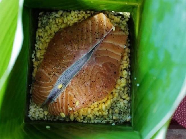 Hơn nửa triệu đồng 1 cặp bánh chưng nhân hải sản
