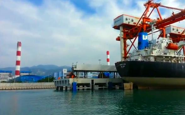 Chính phủ đồng ý xây kè thay phương án nhận chìm trên biển