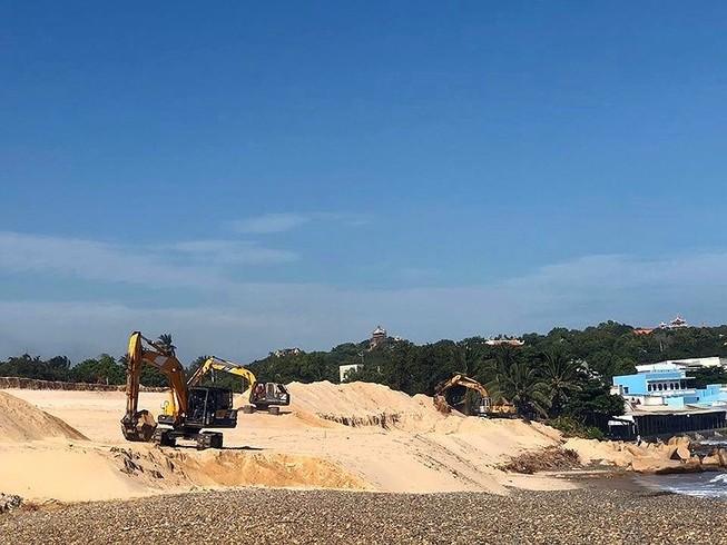Bãi đá 7 màu bị lấp nằm trong hành lang bảo vệ bờ biển