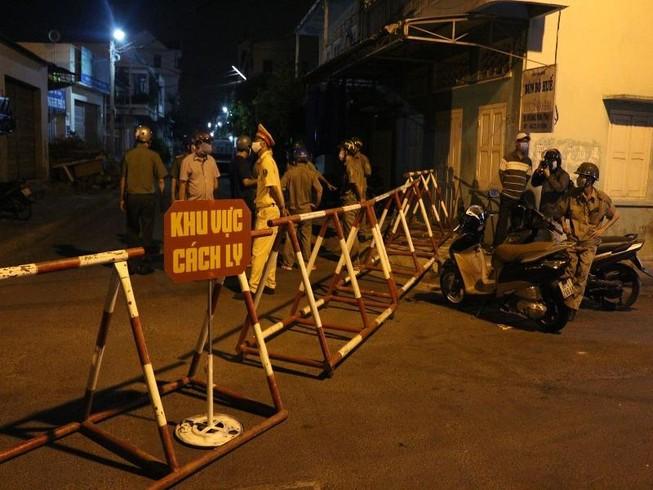 Bình Thuận lập gấp 2 chốt kiểm soát y tế du khách nước ngoài