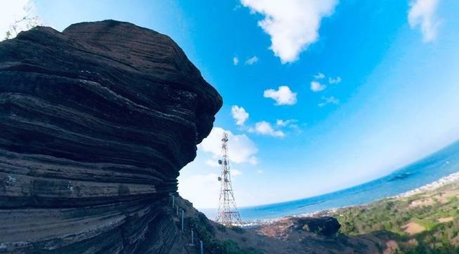 Tạm ngưng đón khách du lịch ra đảo Phú Quý