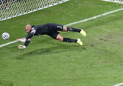 Thủ môn Mỹ lập kỷ lục World Cup về số pha cứu thua