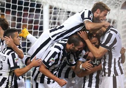 Vidal tỏa sáng rực rỡ giúp Juventus đại thắng