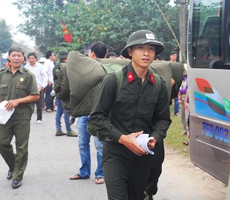 Tân binh lên đường nhập ngũ