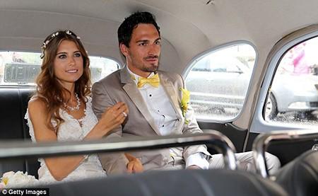 Mats Hummels chính thức chia tay đời độc thân
