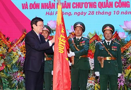 Chủ tịch nước trao huân chương Quân công hạng Nhất cho lực lượng vũ trang Quân khu 3
