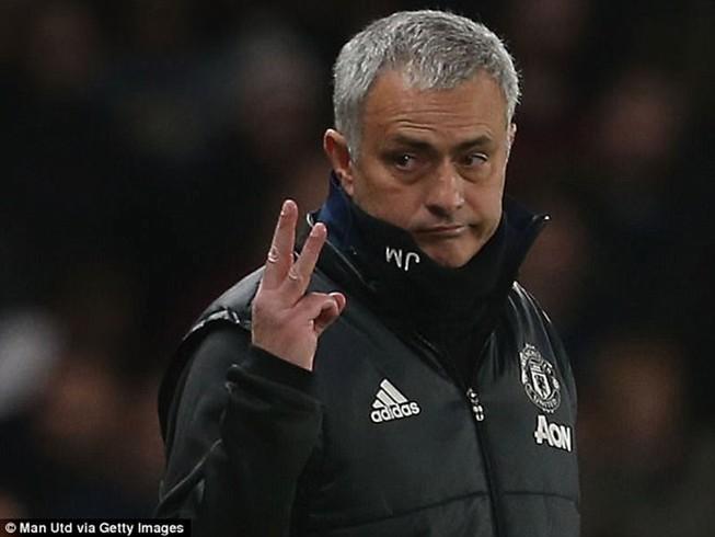 Mourinho vô cảm trước cuộc đối đầu kinh điển MU-Chelsea