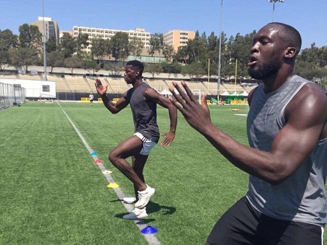 Lukaku và Pogba cùng tập luyện ở Mỹ, chờ hội ngộ tại MU